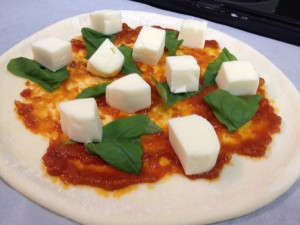 自家製生地で作るピザ