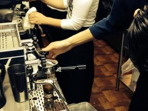エスプレッソマシンでのコーヒー抽出